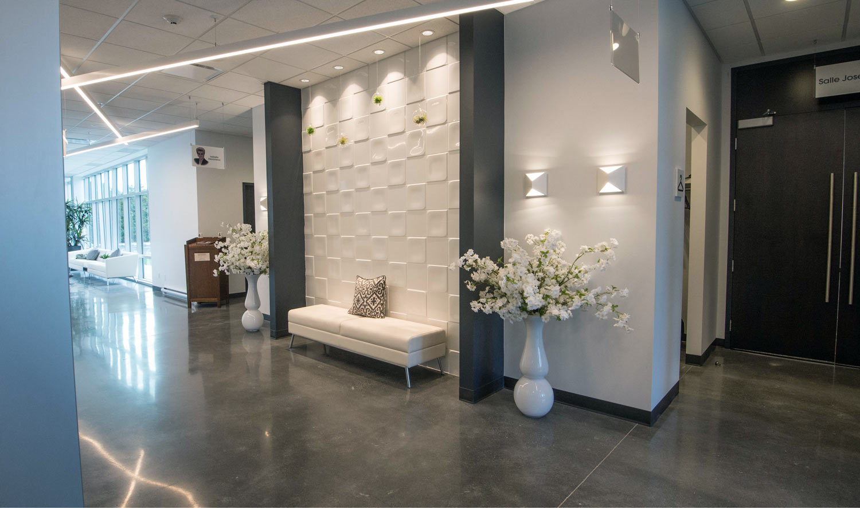 Hall d'entrée d'une entreprise réalisé par Signé Labelle