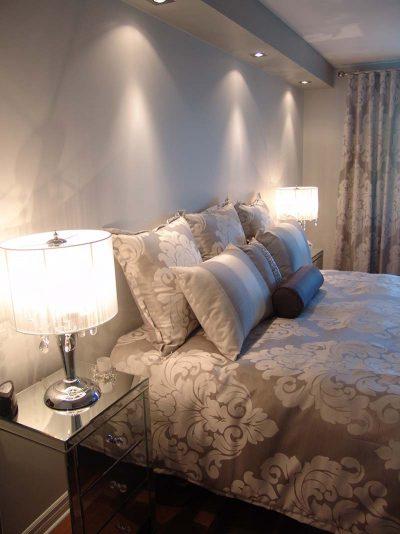 Chambre à coucher aux inspirations romantiques aménagée, décorée et conçue par Signé Labelle