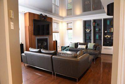 Salon vue de l'entrée conçue par Julie Labelle designer d'intérieur